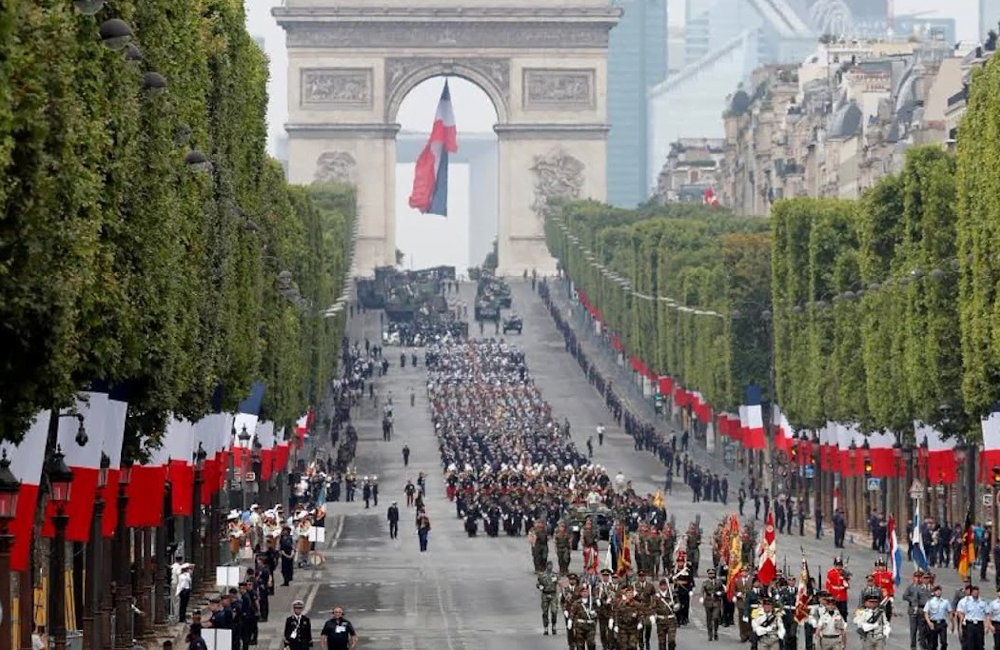 Vojna parada Dana Bastilje